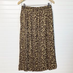 BANANA REPUBLIC Cheetah print pleated maxi skirt
